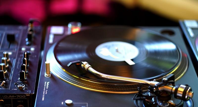 NuDisco, Afrobeat Housemuisc, Jazzy, Vinyl, DJ