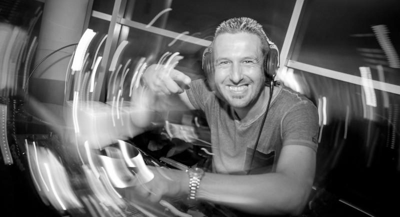 Club DJ, Vinyl-DJ, Club, Disco, Bar, Open Air, Festival