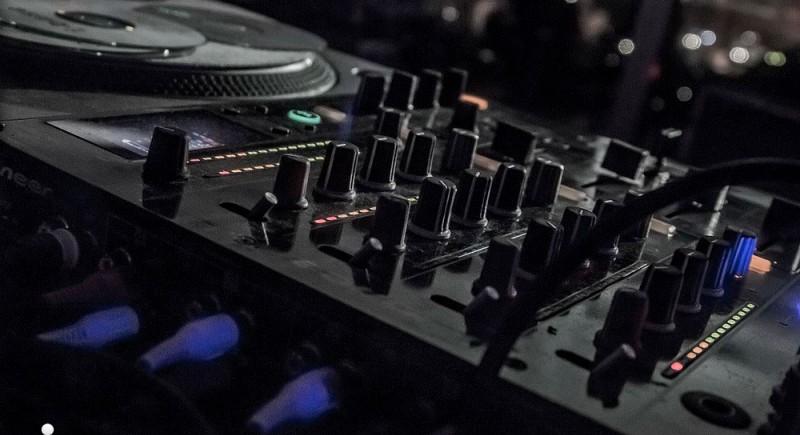 Vinyl DJ, Club, Disco, Bar, Events, Hochzeits-DJ Leverkusen